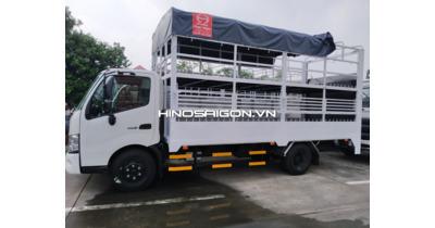 Hino 3,5 tấn XZU720L chở xe gắn máy, xe mô tô