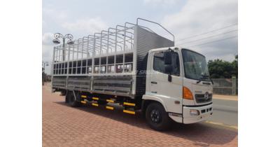 Hino FC9JLTC chở xe máy tải trọng 4.5 tấn