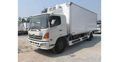 Hino FC9JLTC thùng đông lạnh tải trọng 6 tấn