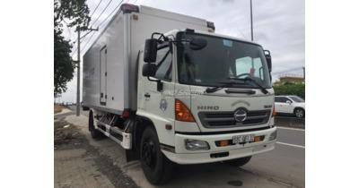 Hino FG8JPSB thùng bảo ôn cũ đời 2016
