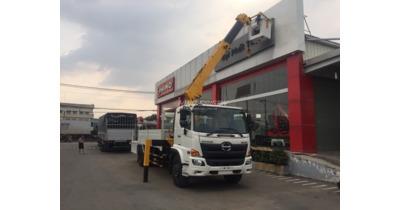 Hino FG8JT7A gắn cẩu soosan SCS525 tải trọng 5.900 kg