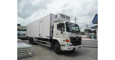 Hino FL8JW7A thùng đông lạnh tải trọng 15 tấn