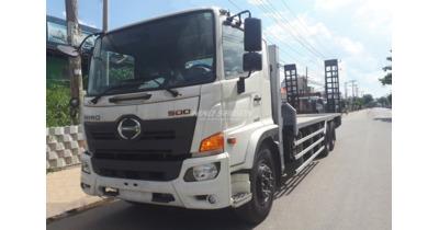 Hino FM8JW7A ( 2 cầu ) chở xe cơ giới tải trọng 12.5 tấn
