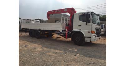 Hino FM8JW7A gắn cẩu unic UVR555 tải trọng 12.100 kg