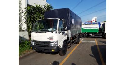 Hino XZU352L thùng bạt inox tải trọng 3.490 kg