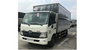 Hino XZU650L thùng kín tải trọng 1.5 tấn